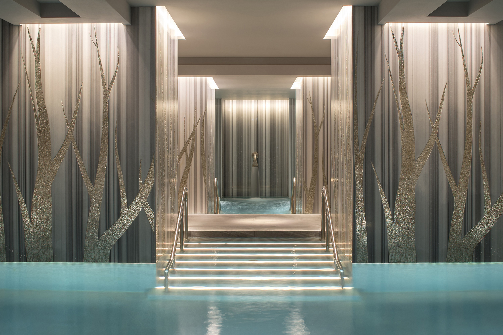 The swimming pool at Four Seasons Ten Trinity Square