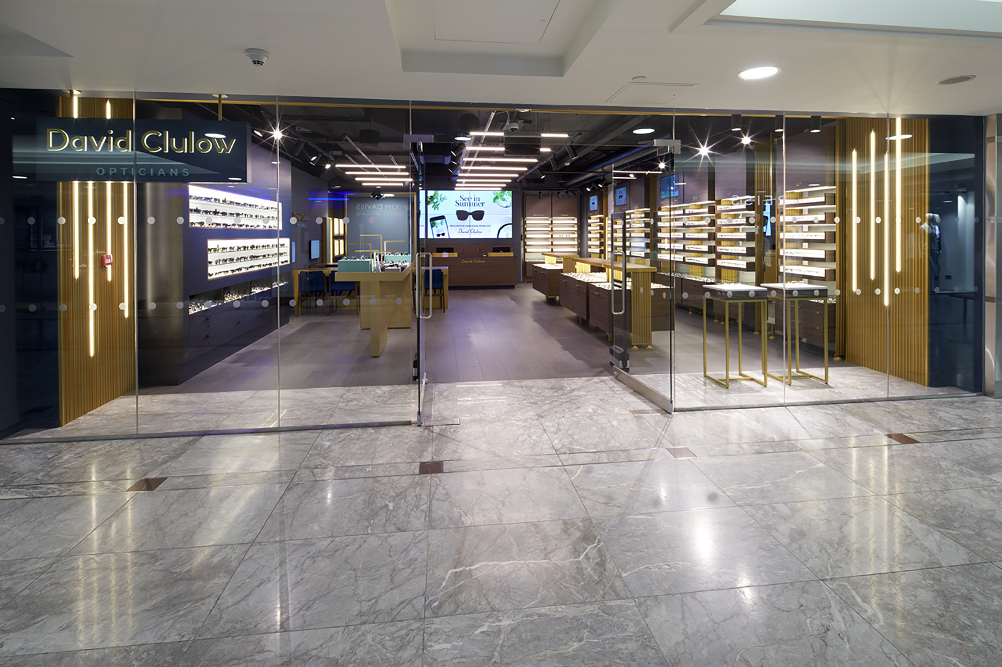 David Clulow combines luxury with rigorous and professional eyecare