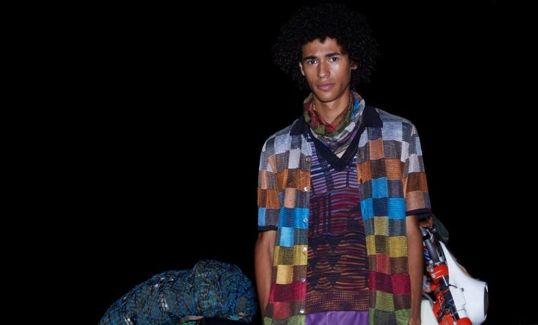 In the Missoni SS19 collection there is an emphasis on mid layers – pieces that can be put on or taken off as the journey progresses and the temperature changes