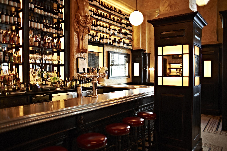 The bar at Balthazar