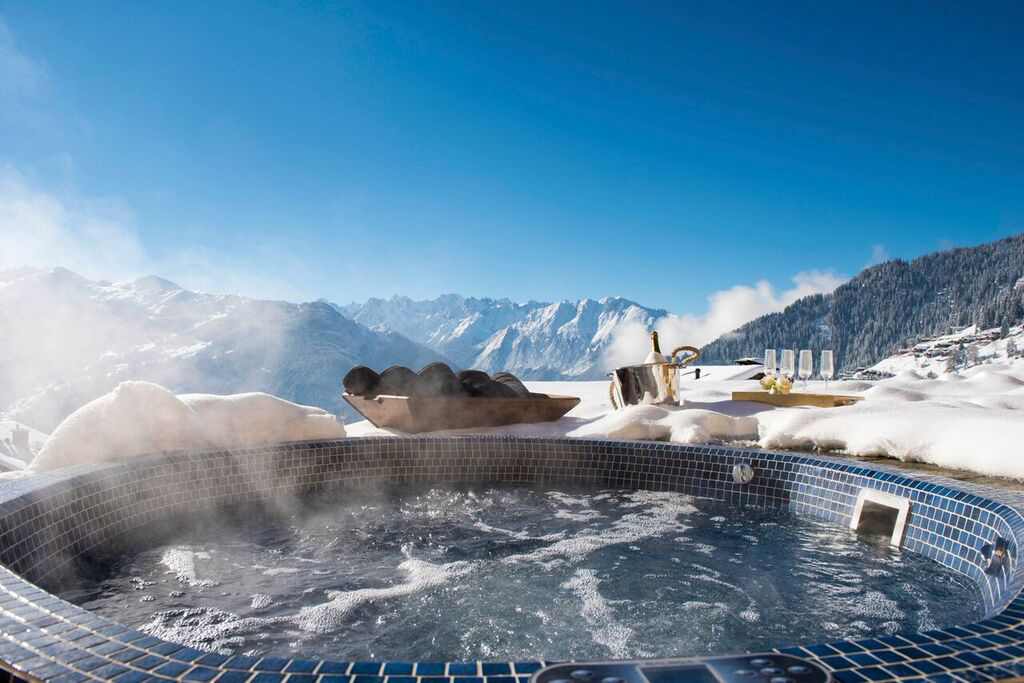 The hot tub at Chouqui, Ski Verbier Exclusive's largest chalet that sleeps 20 and features a 15m indoor swimming pool