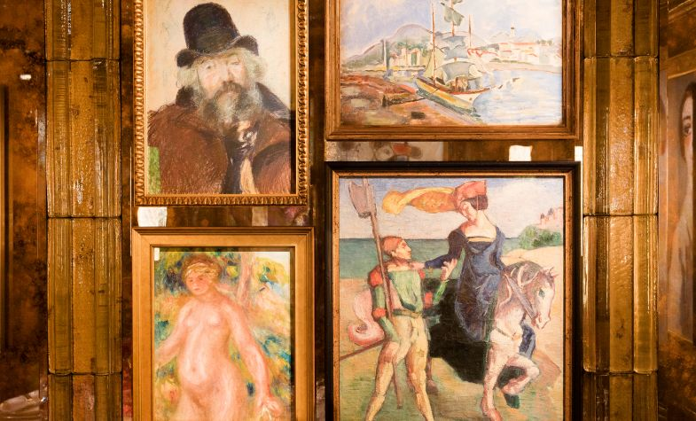 The room features artwork from Marc Chagall, Pierre-Auguste Renoir and Joan Miró