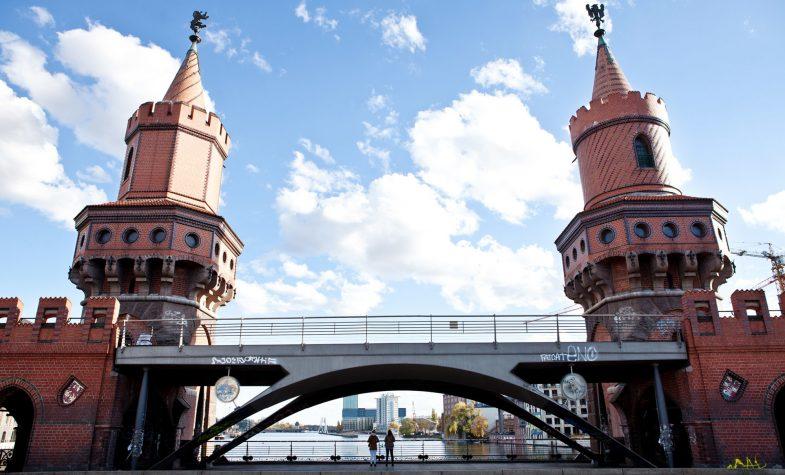 The Hotel is overlooking the Oberbaum Bridge