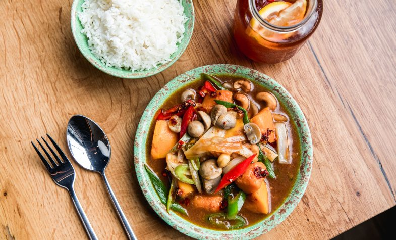 Rosa's Thai Cafe veggie cashew nut stir fry