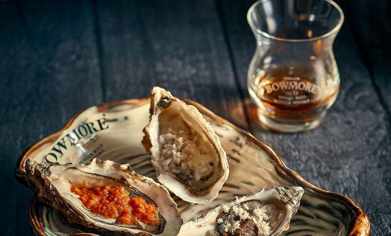 Oyster luge with Bowmore whisky